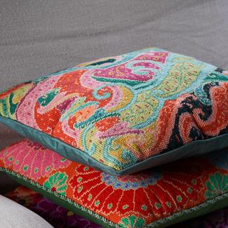 Floral motif needlepoint